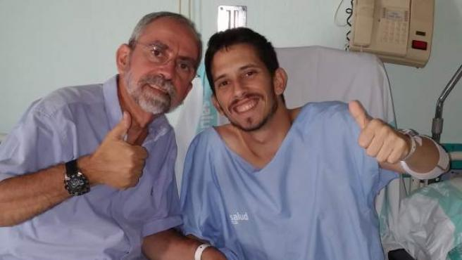 José Ignacio Sánchez Miret y su hijo Ignacio, después de haberle donado uno de sus riñones.