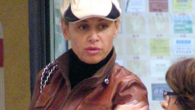 La actriz Esther Arroyo, en un supermercado de la capital.
