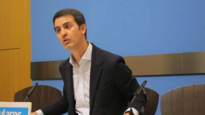El concejal del PP, Pedro Navarro, este viernes en la sala de prensa