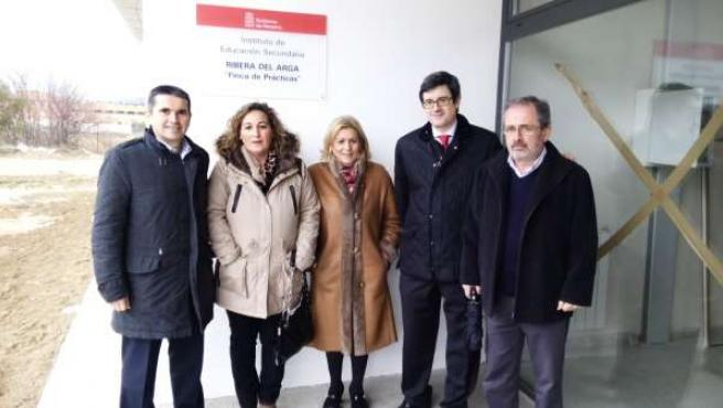 Iribas Con Autoridades Y Representantes Del IES Ribera Del Arga.