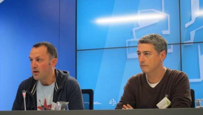 Los parlamentarios de EH Bildu Unai Urruzuno y Oskar Matute