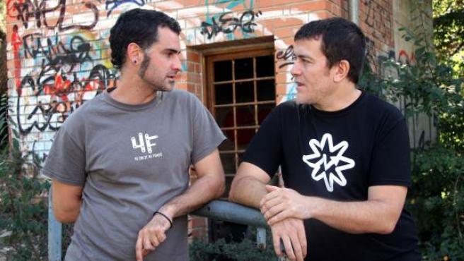 Xavier Artigas y Xapo Ortega, directores del documental Ciutat morta (ciudad muerta), que denuncia irregularidades policiales y judiciales en el caso 4-F.