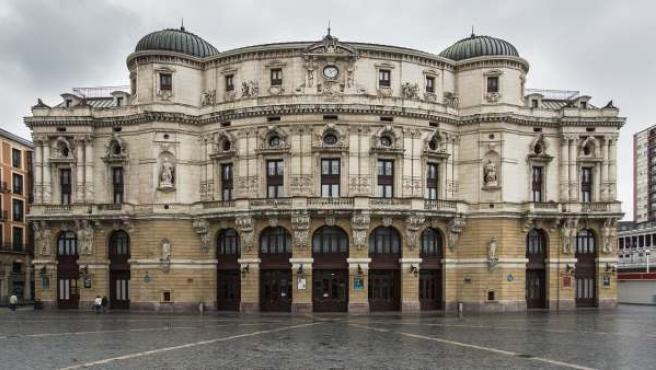 La impresionante fachada del Teatro Arriaga de Bilbao.