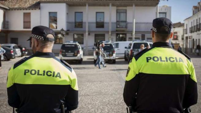 Agentes de la Policía Local, en el marco de la 'operación Púnica'.
