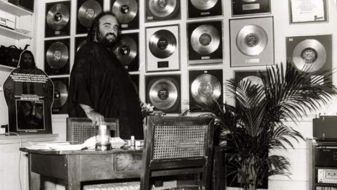 Una fotografía de archivo del músico griego Demis Roussos.