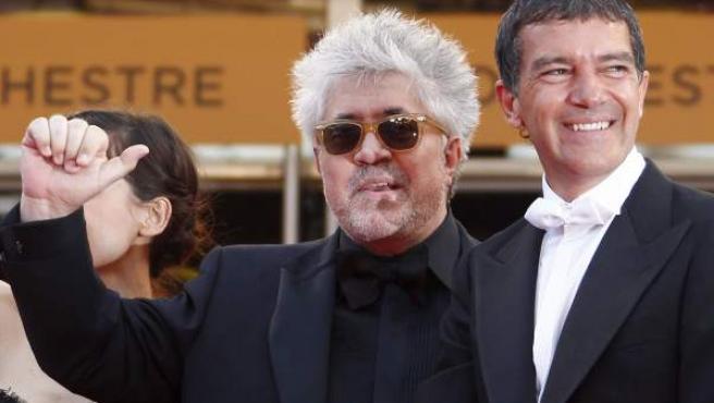 Pedro Almodovar y Antonio Banderas en Cannes.