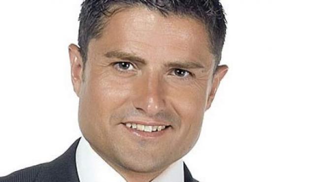 Alfonso Merlos, presentador de la cadena 13TV.