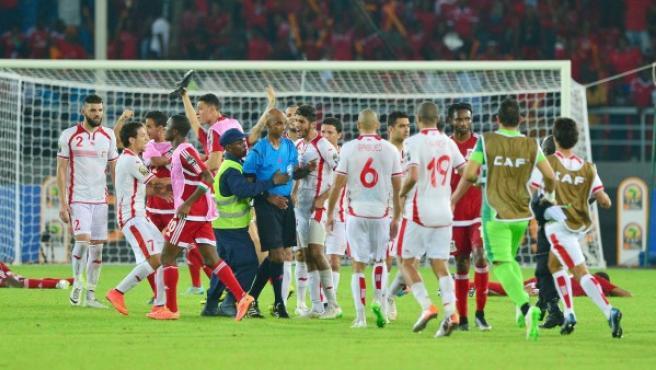 Enfrentamientos y protestas tras la conclusión del partido de cuartos de final de la Copa África entre Guinea Ecuatorial y Túnez.