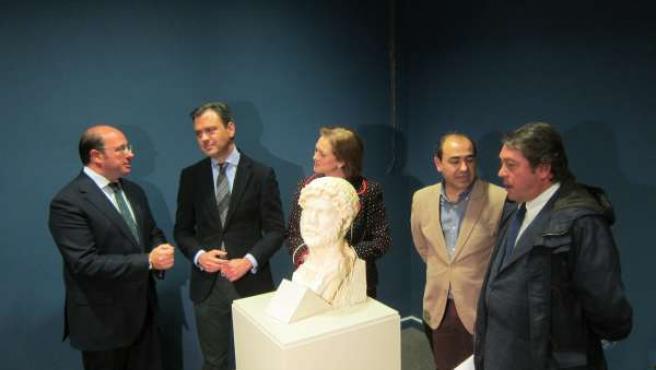 Sánchez, Ortuño y Ruiz en la presentación del busto