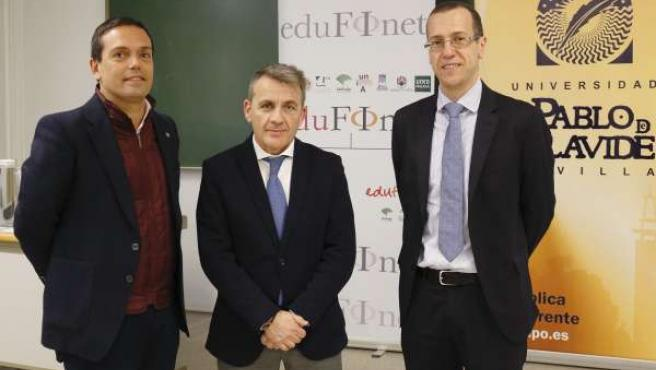 Jornada sobre como invertir en Bolsa de UPO y Unicaja