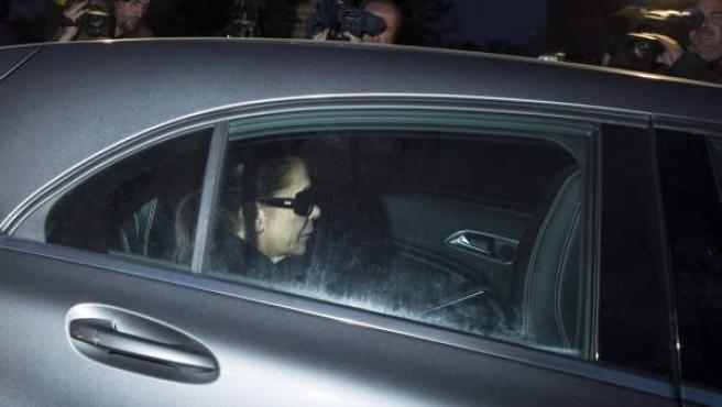 La tonadillera Isabel Pantoja entra en la cárcel sevillana de Alcalá de Guadaira.