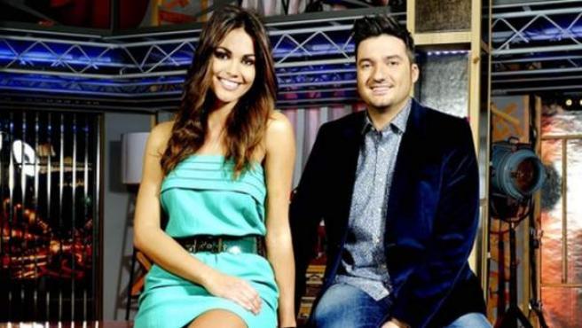 Lara Álvarez y Xavi Rodríguez, presentadores de 'Todo va bien'.