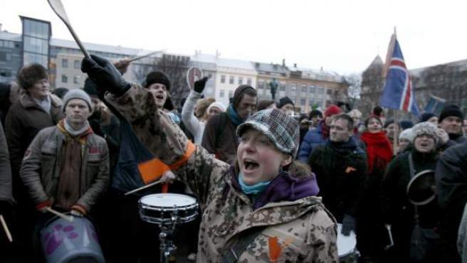 Una imagen de archivo de unas protestas sociales en Reikiavik, capital de Islandia.