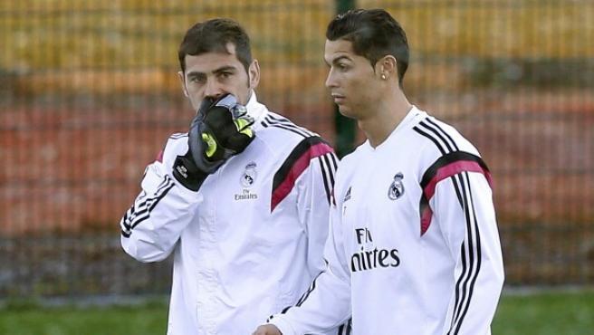 Cristiano y Casillas, en el entrenamiento.