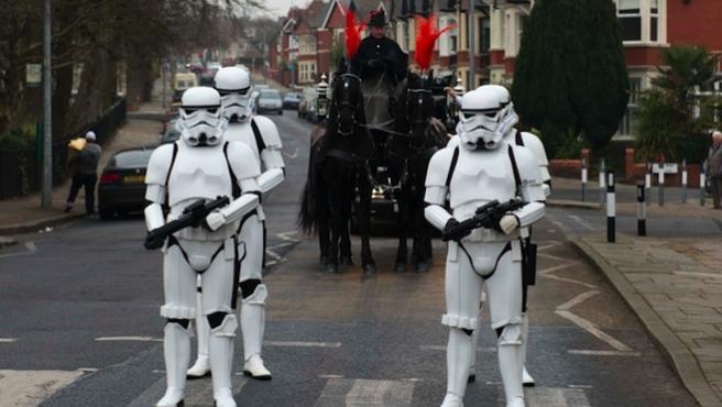 Vídeo del día: Un funeral 'Star Wars'