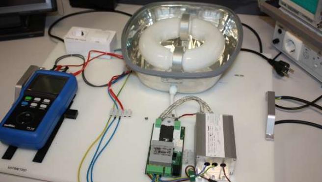 Sistema para reducir el gasto de la iluminación industrial y vial