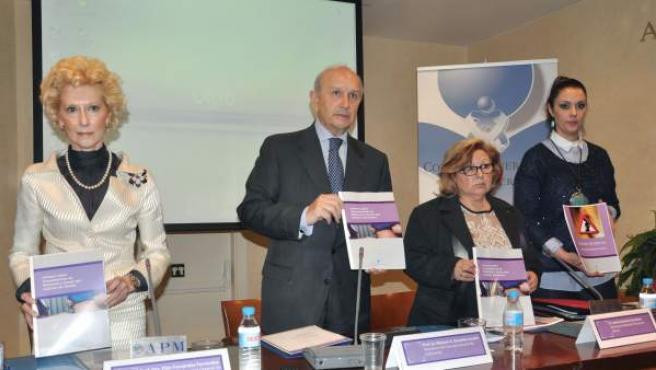 Rueda de prensa de presentación del Informe Doulas, con el que el Consejo de Colegios Oficiales de Enfermería denuncian la actividad de estas mujeres.
