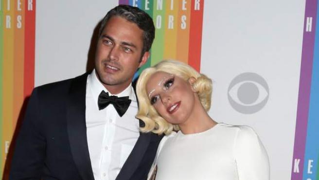 Lady Gaga y Taylor Kinney en diciembre de 2014.
