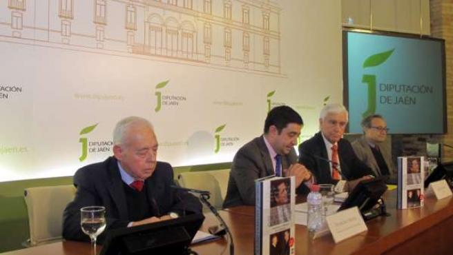Presentación del libro del diplomático José Cuenca