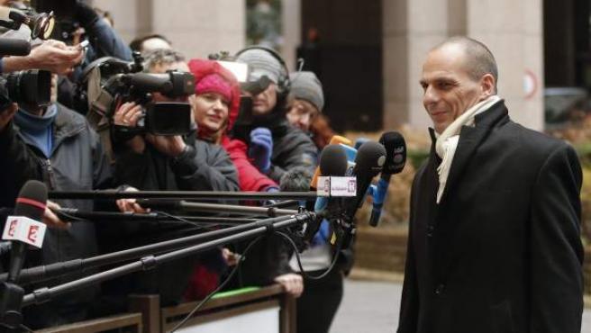 Varufakis, ante los medios este viernes, momentos antes de que comenzara la reunión del Eurogrupo.