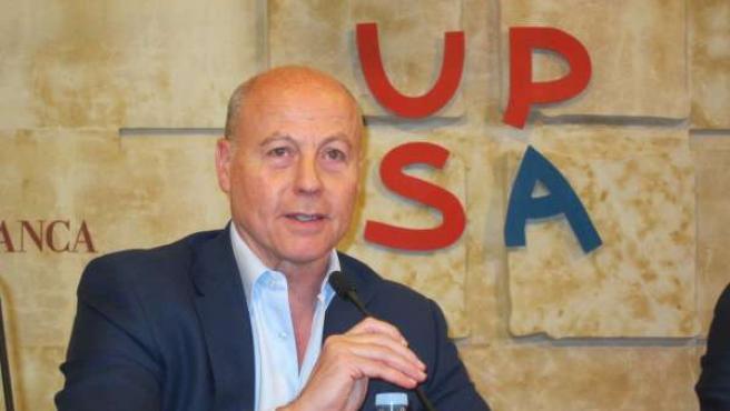 El doctor Juan Antonio Corbalán en Salamanca.