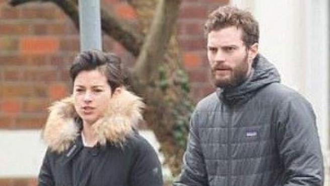 Christian Grey, protagonista de '50 sombras de Grey', y Amelia Warner han sido padres recientemente.