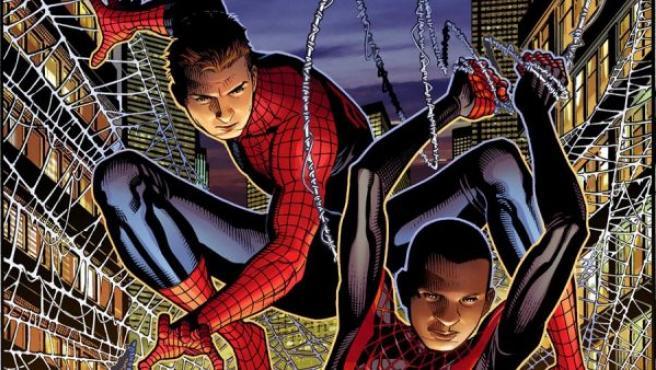 Peter Parker pasa el testigo como Spiderman a Miles Morales.