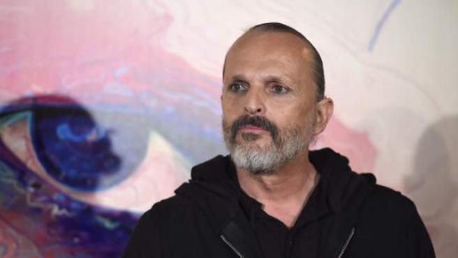 Uno de los españoles que desafía mejor el paso del tiempo es Miguel Bosé, de 58 años. En la imagen, durante la presentación de uno de sus discos.