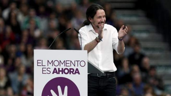 El secretario general de Podemos, Pablo Iglesias, durante su intervención en el acto público en Valencia.