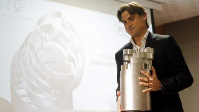 El tenista David Ferrer recibe el máximo galardón del tenis español, el premio Juan Antonio Samaranch, como reconocimiento a su dilatada y exitosa carrera profesional.