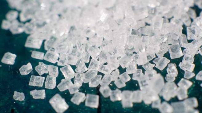 Granos de azúcar ampliados.