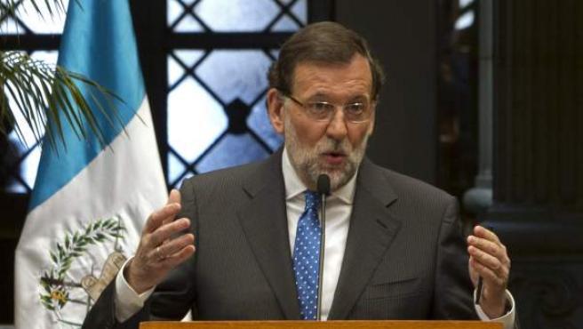 El presidente del gobierno español, Mariano Rajoy, durante la conferencia de prensa que ha ofrecido junto al presidente de la República de Guatemala, Otto Pérez Molina.