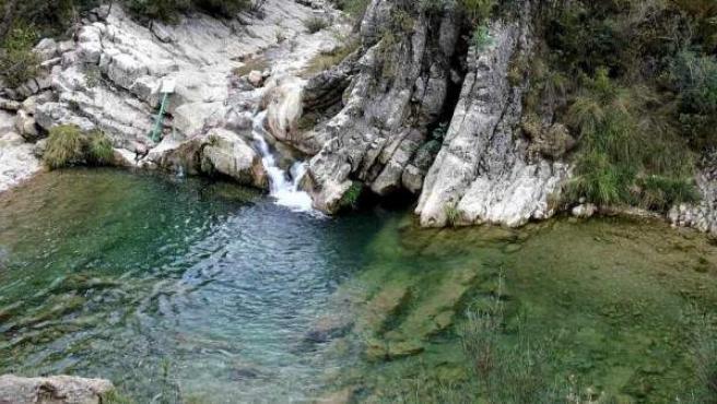 <p>El arroyo de las Truchas vierte su agua en el río Borosa.</p>