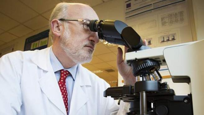 Ramón Cacabelos, director de EuroEspes Biotecnología, que ha creado una vacuna experimental contra el alzhéimer.