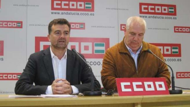 El candidato de IU a la Junta, Antonio Maíllo, y Carbonero.