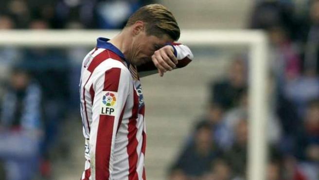 Fernando Torres, cabizbajo en el partido ante el Espanyol.
