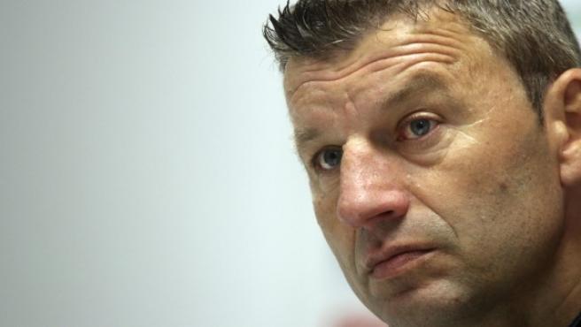 El entrenador serbio Miroslav Djukic, destituido el pasado lunes, se ha despedido hoy en una conferencia de prensa en el estadio Nuevo El Arcángel de la plantilla del Córdoba CF y del club.