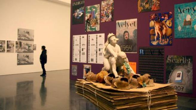 El Museo de Arte Contemporáneo de Barcelona (MACBA) acoge Haute Couture 04 Transport, de Inés Doujak, una escultura de carácter sexual alusiva al rey Juan Carlos I.
