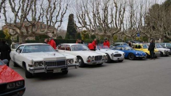 Una veintena de coches clásicos viajan este domingo a Mequinenza