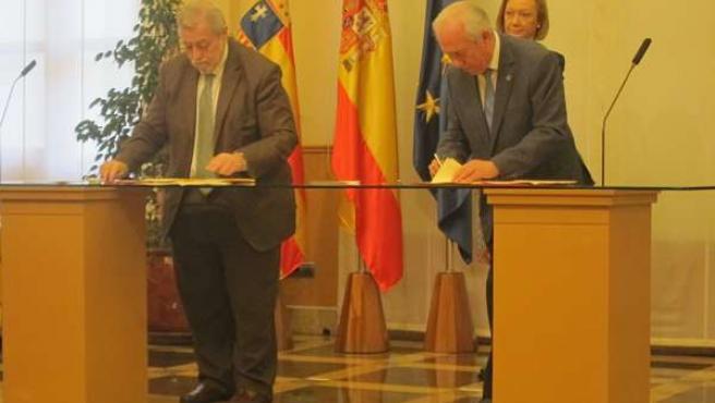 Antonio Beteta y Francisco Bono firman el FITE.