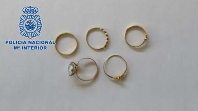Los anillos de la Virgen de la Soledad recuperados tras el robo