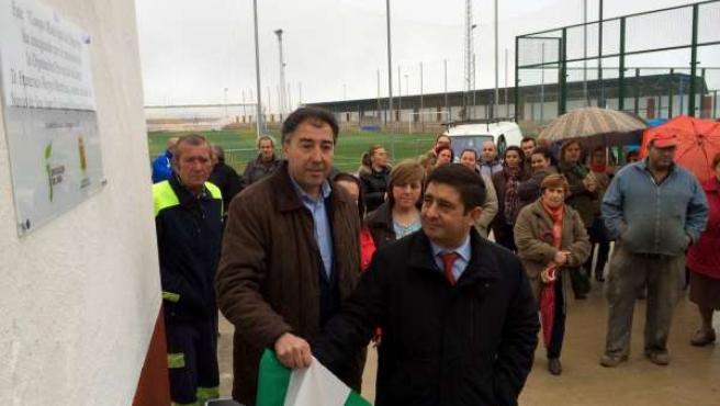 Requena y Reyes inauguran las nuevas instalaciones deportivas.