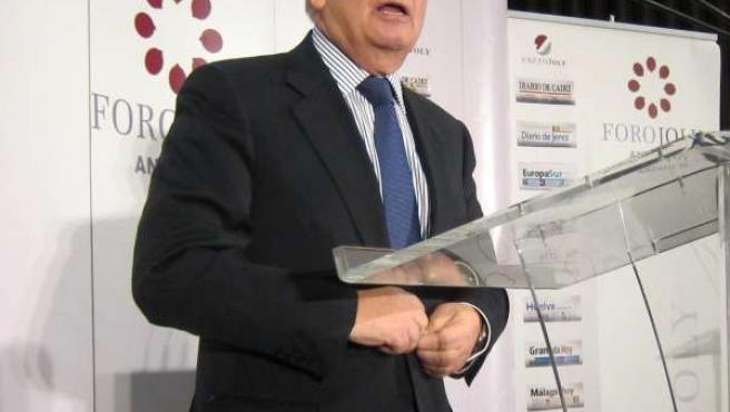Carlos Solchaga, exministra de Economía y Hacienda.