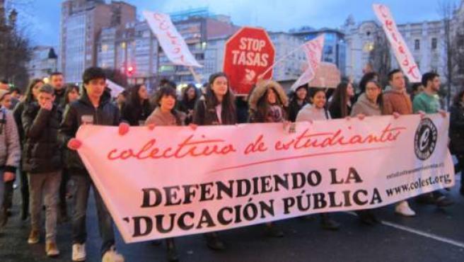 Manifestación contra el '3+2'