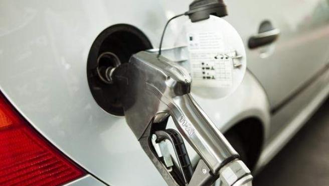 Los precios de la gasolina han subido.