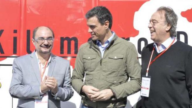 Javier Lambán, Pedro Sánchez y Carlos Pérez Anadón.