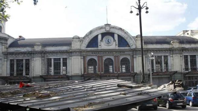 Edificio que albergaba la antigua Estación del Norte de Madrid, en Príncipe Pío; actualmente, está en estado de abandono.