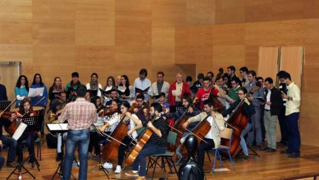 Uno de los ensayos de la Orquesta y Coro de la Catedral de Córdoba