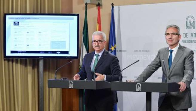 Jiménez Barrios y Vázquez en rueda de prensa tras el Consejo de Gobierno