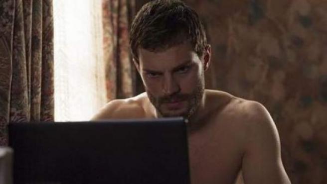 El actor de 'Cincuenta Sombras de Grey' en su papel de Paul Spector en 'The Fall'.
